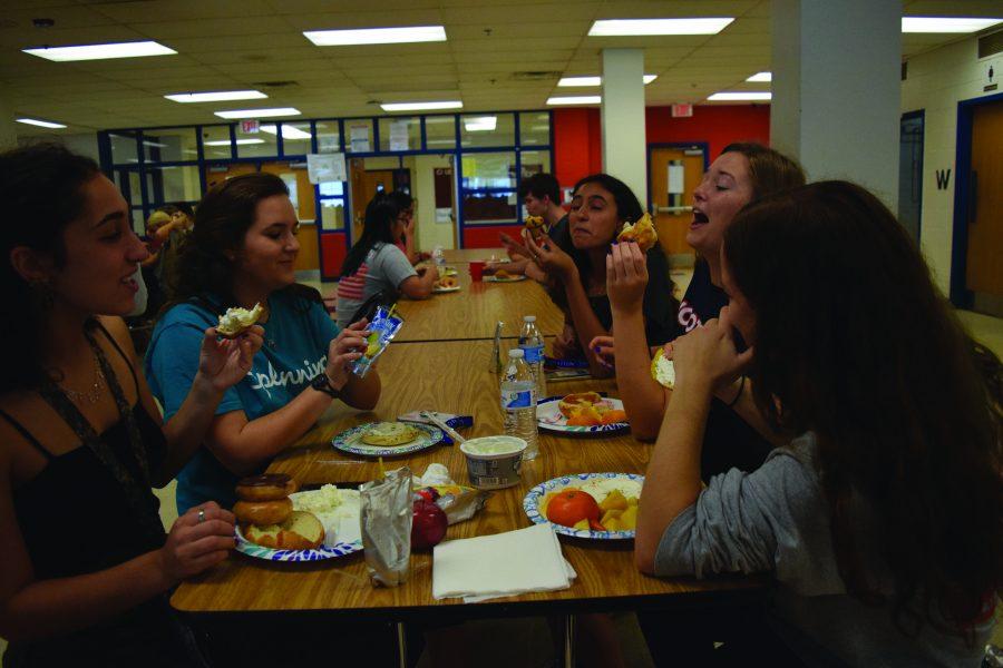 Senior+breakfast%2C+photo+garner+mixed+reviews