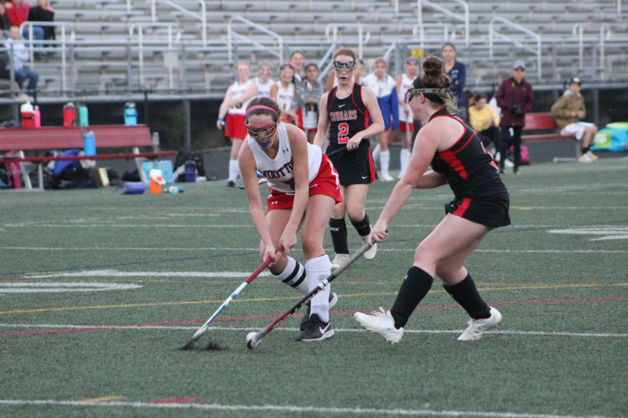 JV Field Hockey win against Cougars finishes off long season