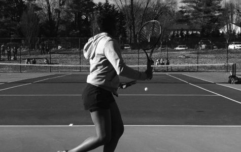 Online Exclusive: Girls tennis remains undefeated, dominates counties