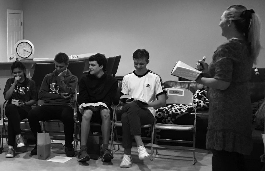 Students obtain religious education by way of Early Morning Seminary