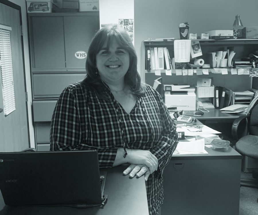Financial specialist Walsh makes difference, sells jewelry at shows