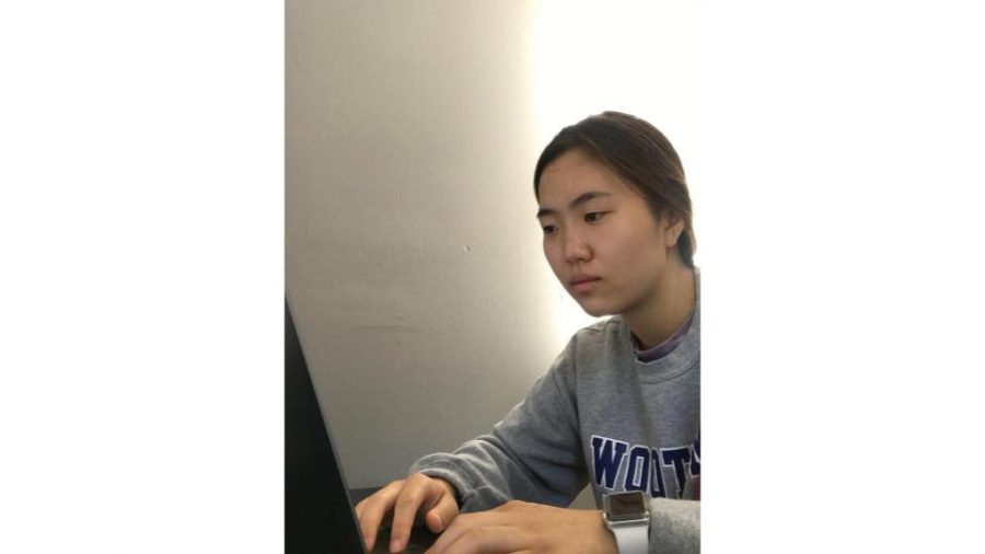 Senior Sharon Oh on Oct. 5 reviewing her college applications before tuning them in to meet November deadlines.
