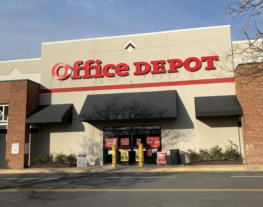 Office+Depot+on+Shady+Grove+Rd.+has+a+closing+sale+as+it+gets+ready+to+close+and+open+Amazon+Fresh+in+2021.