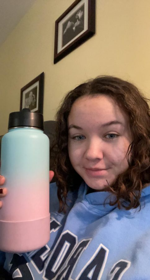 Junior+Katie+Wood+pledges+to+drink+70+oz.+of+water+a+day+in+2021.+Her+new+water+bottle+holds+that+same+amount.