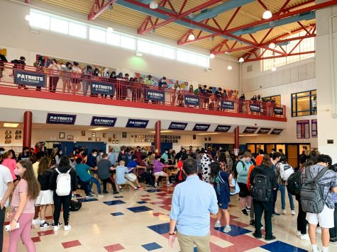 Students gather in the Commons for a game of tug-of-war Oct. 12, just one of the games SGA has hosted to bolster spirit before the homecoming dance.
